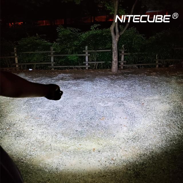 나이트큐브 N1 USB충전식 CREE XM-L2 LED후레쉬 줌라이트